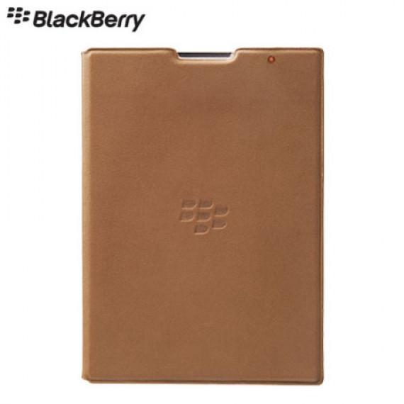 BlackBerry Leather Flip Shell Tan pour Passport