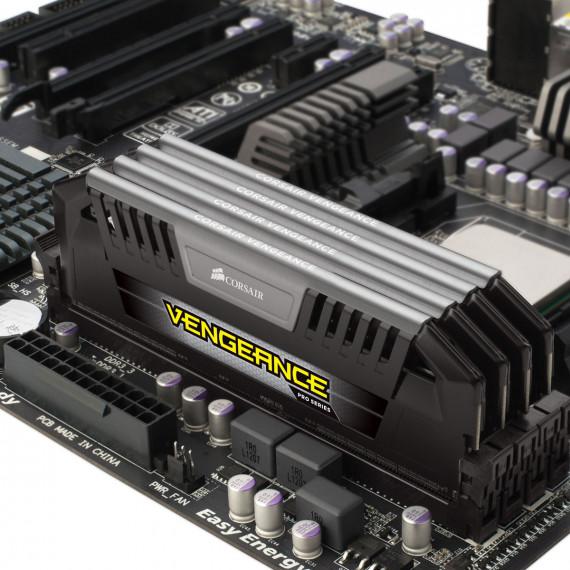 CORSAIR Vengeance Pro Series 32 Go (4 x 8 Go) DDR3 1600 MHz CL9 Silver